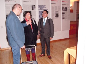 Sophie Cornford, Ding Peng and Dave Carey in the Haus der Demokratie